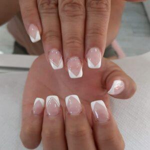 servicio de uñas en barbaman